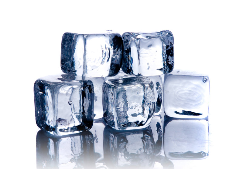 Smeltende ijsblokjes royalty-vrije stock afbeelding