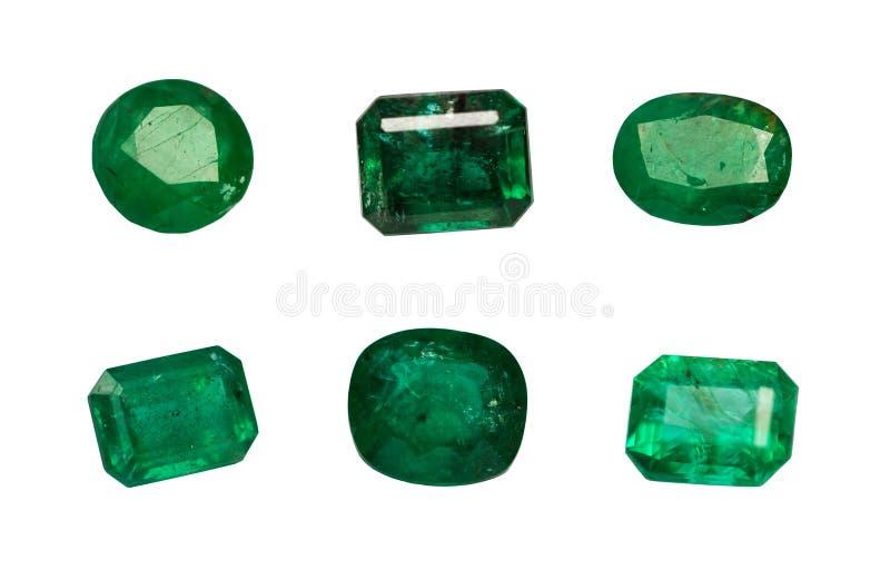 Smeraldo naturale isolato su fondo bianco fotografia stock libera da diritti