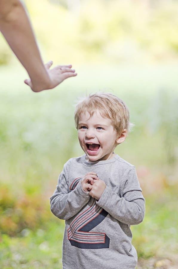 Smetta di gridare il bambino fotografie stock libere da diritti