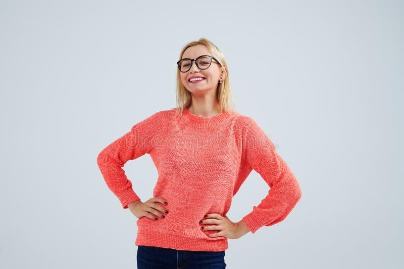 Smiley blondyny w szkłach zdjęcie royalty free