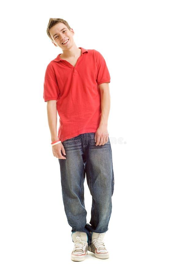 Smileykerl im roten T-Shirt lizenzfreie stockbilder