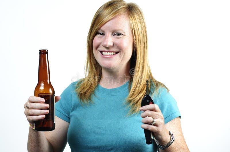 Smiliing gedronken bestuurder stock foto's
