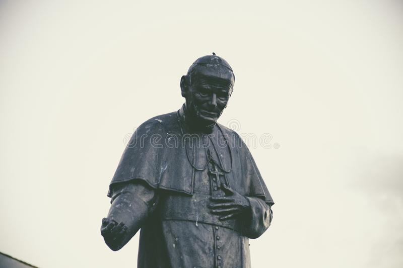 Smiling Pope Black Statue During Daytime Free Public Domain Cc0 Image