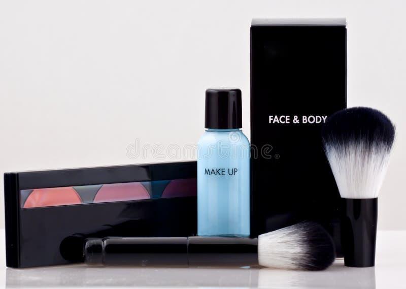 smink för skönhetskönhetsmedelsats royaltyfria foton