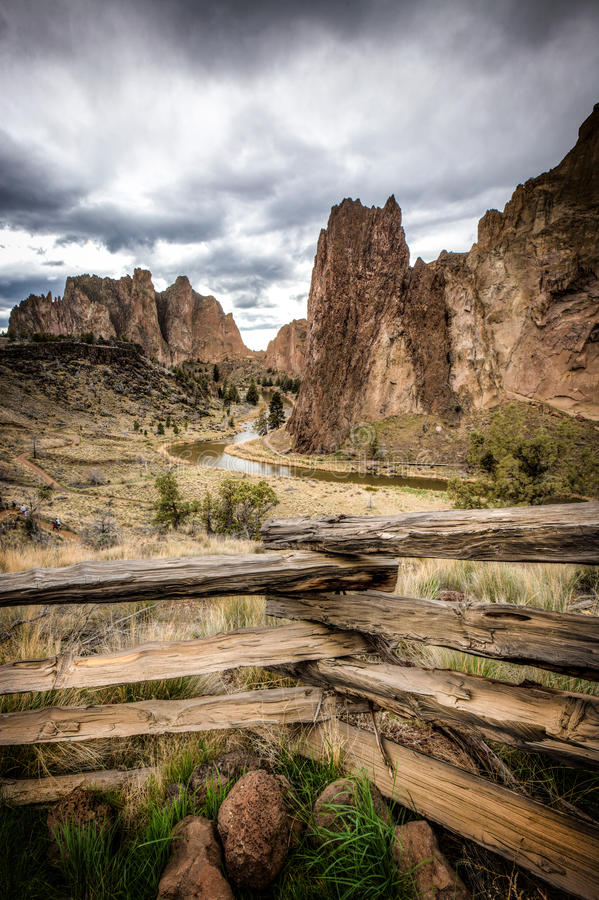 Smith Rock, Biegung, Oregon, USA lizenzfreies stockfoto