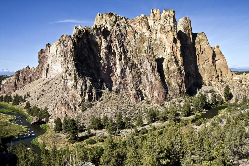 Download Smith Rock Oregon stock photo. Image of river, popular - 25021986