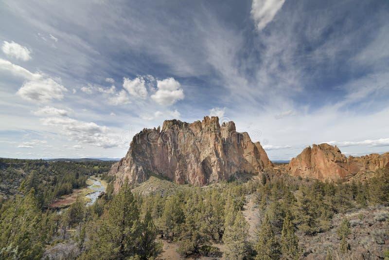 Smith Rock State Park in Centraal Oregon stock afbeeldingen