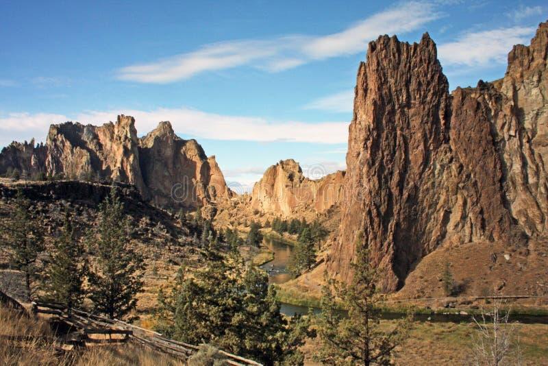 Smith Rock State Park - Terrebonne, Oregon royalty-vrije stock afbeeldingen