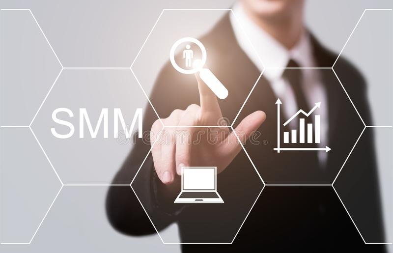 SMM社会媒介营销广告互联网企业技术概念 免版税库存照片