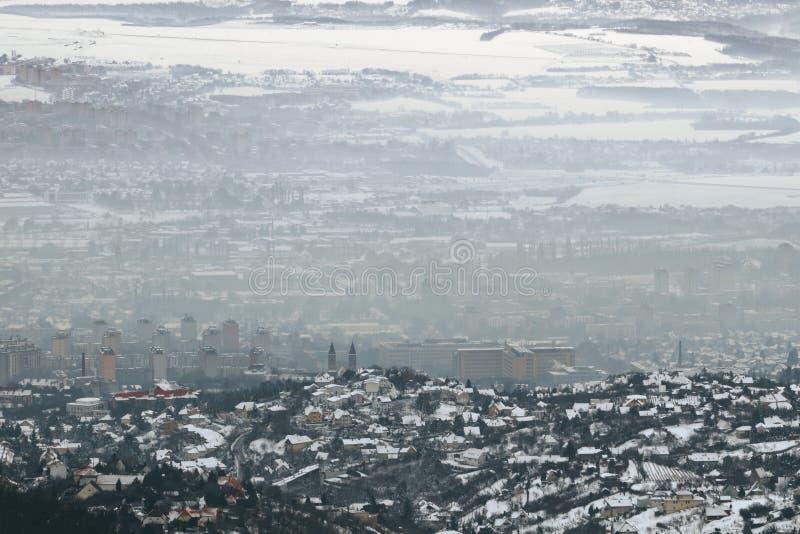 Smog Nad miastem, widok z lotu ptaka zdjęcia stock