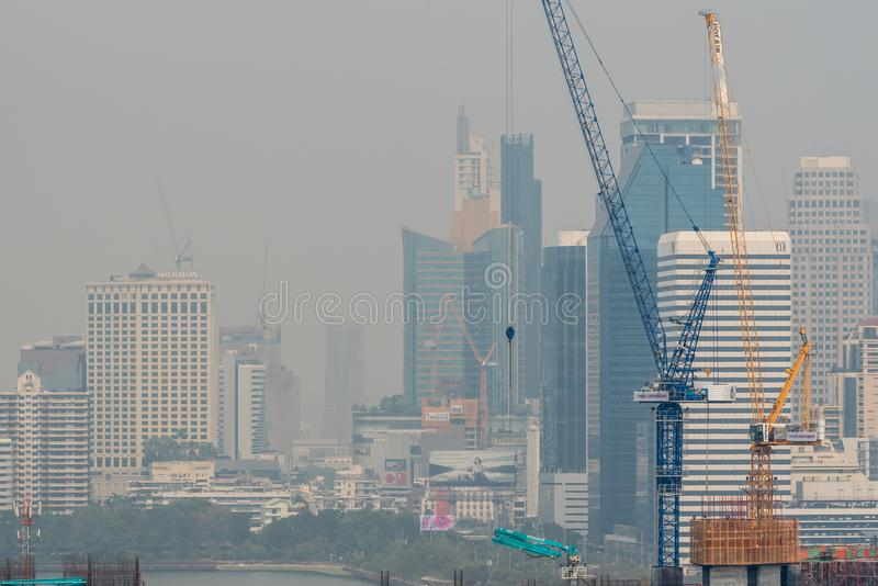 Smog PM2 damm 5 att överskrida standart värde av Bangkok royaltyfria foton