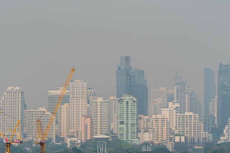 Smog PM2 damm 5 att överskrida standart värde av Bangkok royaltyfri foto