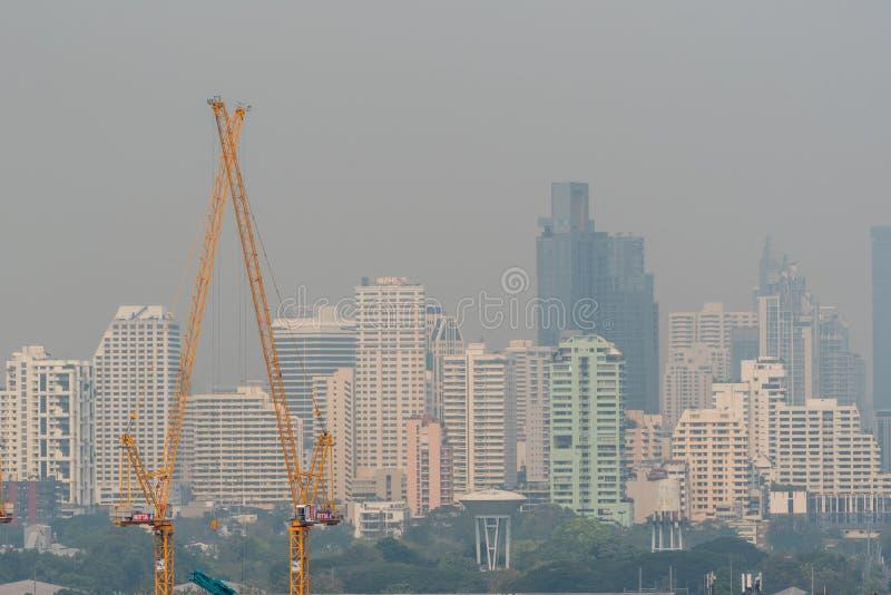 Smog PM2 damm 5 att överskrida standart värde av Bangkok fotografering för bildbyråer