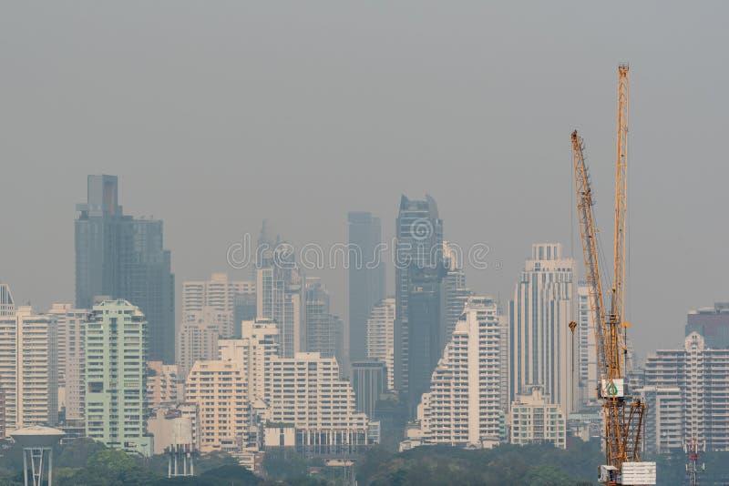 Smog PM2 damm 5 att överskrida standart värde av Bangkok arkivbild