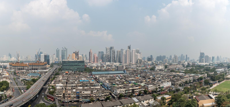 Smog PM2 damm 5 att ?verskrida standart v?rde av Bangkok royaltyfria bilder