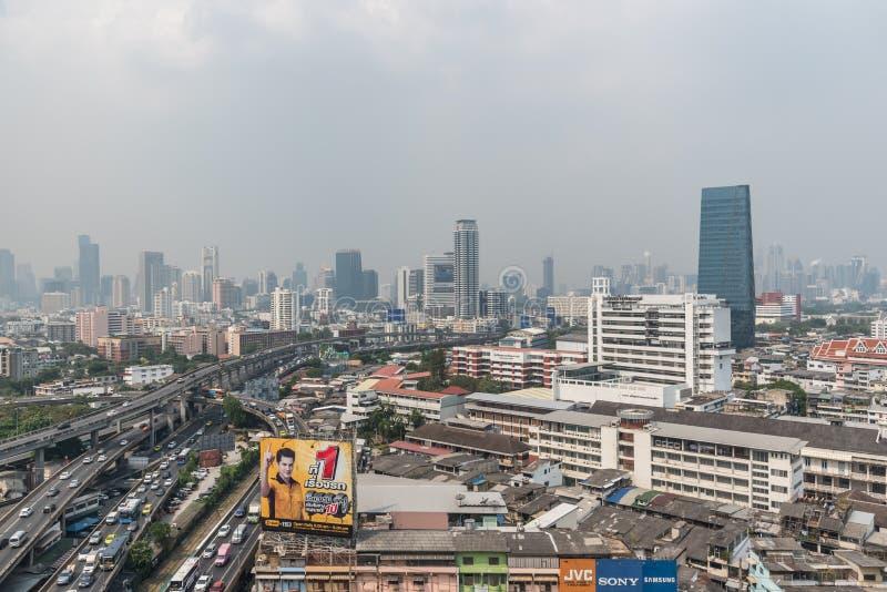 Smog PM2 damm 5 att ?verskrida standart v?rde av Bangkok royaltyfri fotografi