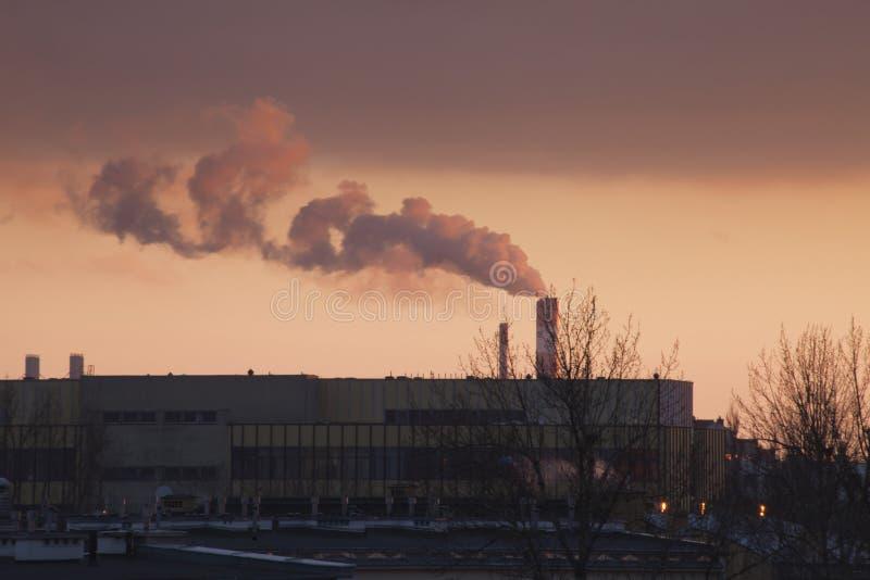 Smog in Warschau, Polen lizenzfreie stockfotos
