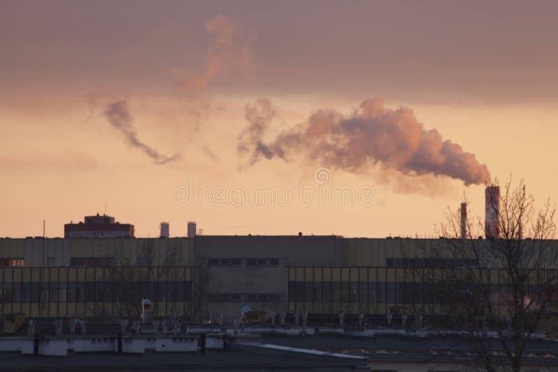 Smog in Warschau, Polen lizenzfreies stockbild