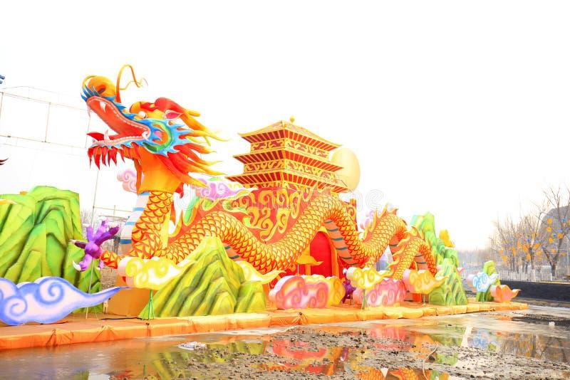Smok przy chińskim latarniowym festiwalem fotografia stock