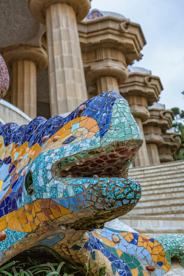 Smoka salamandra gaudi mozaika w parkowym guell Barcelona obraz royalty free