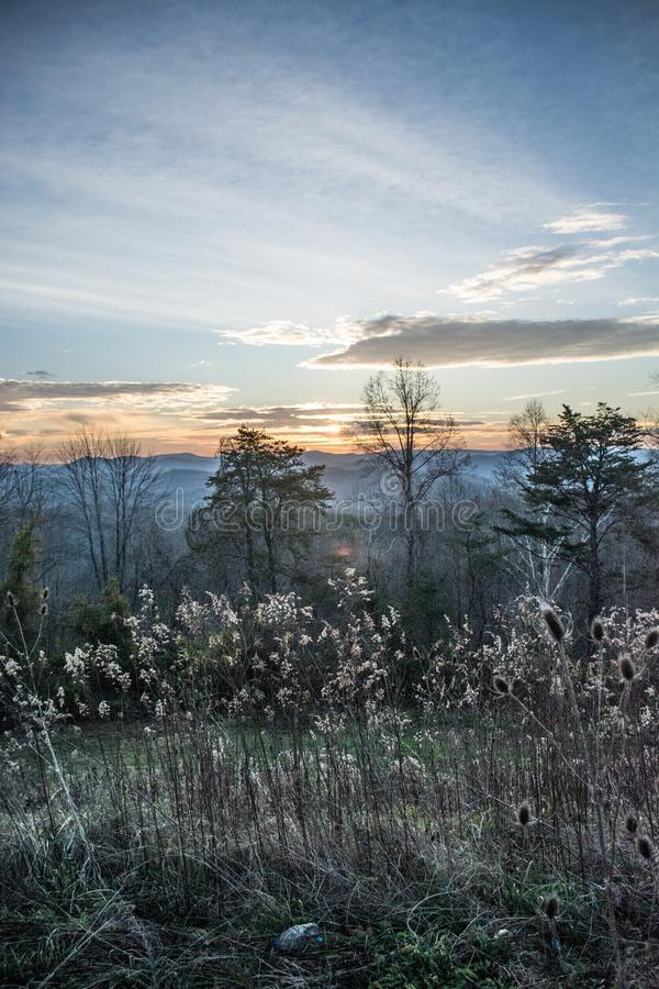 Smokey在Jellico山顶部的山早晨 免版税库存照片