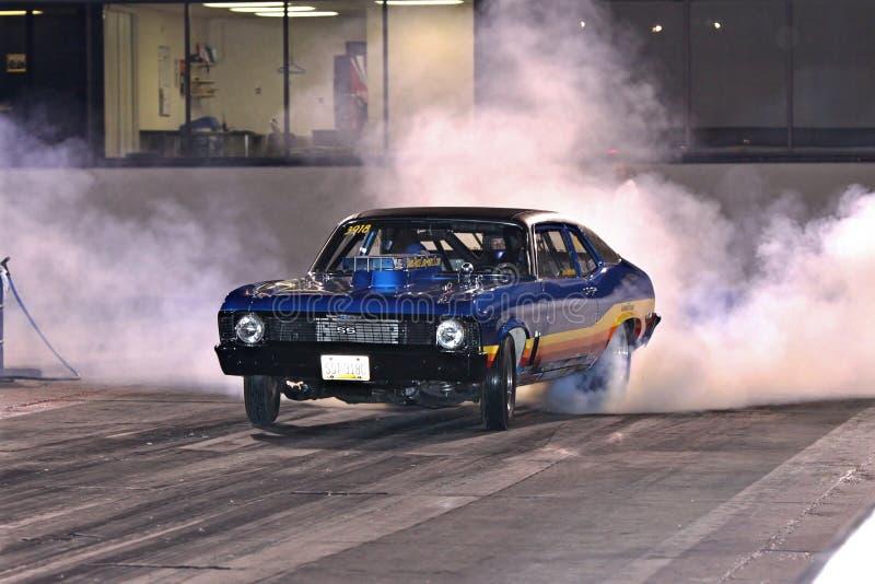 Smokey Burnout des Novas lizenzfreie stockbilder