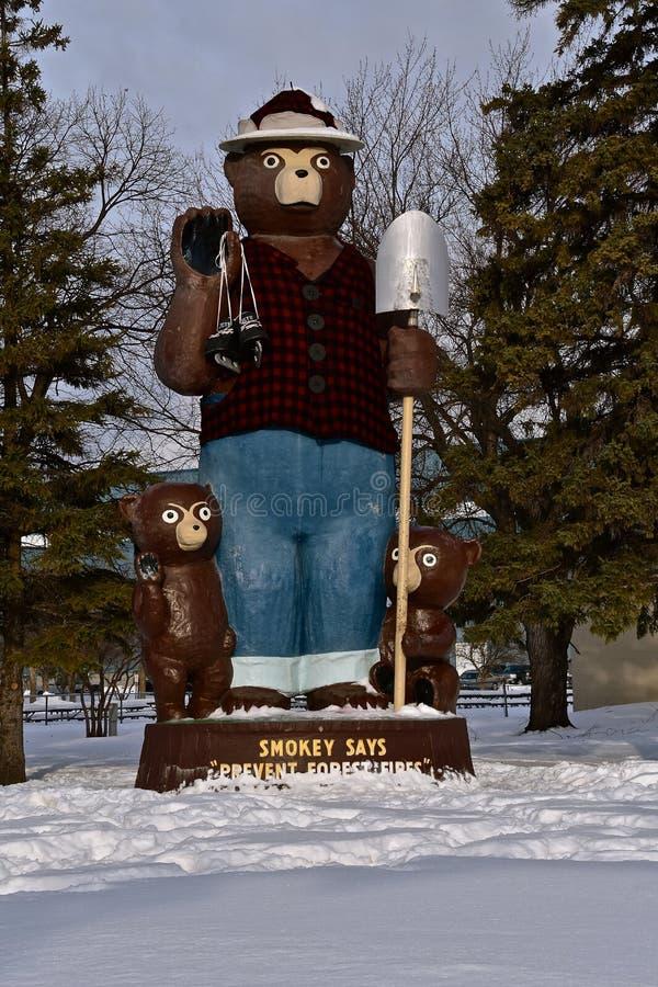 Smokey la estatua del oso imágenes de archivo libres de regalías