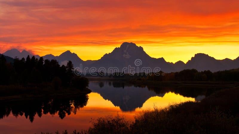 Smokey Sonnenuntergang an der Oxbow Schlaufe stockfotografie