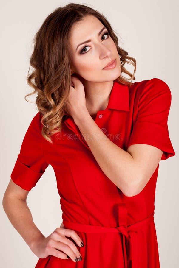 smokingowa dziewczyny portreta czerwień zdjęcia royalty free