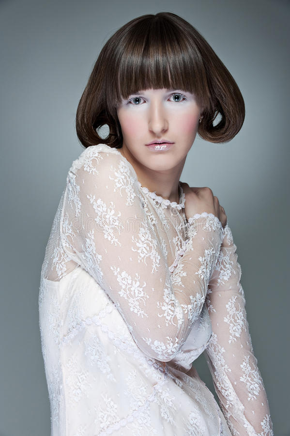 Download Smokingowa Mody Portreta Kobieta Zdjęcie Stock - Obraz złożonej z jasny, gracefulness: 13341938