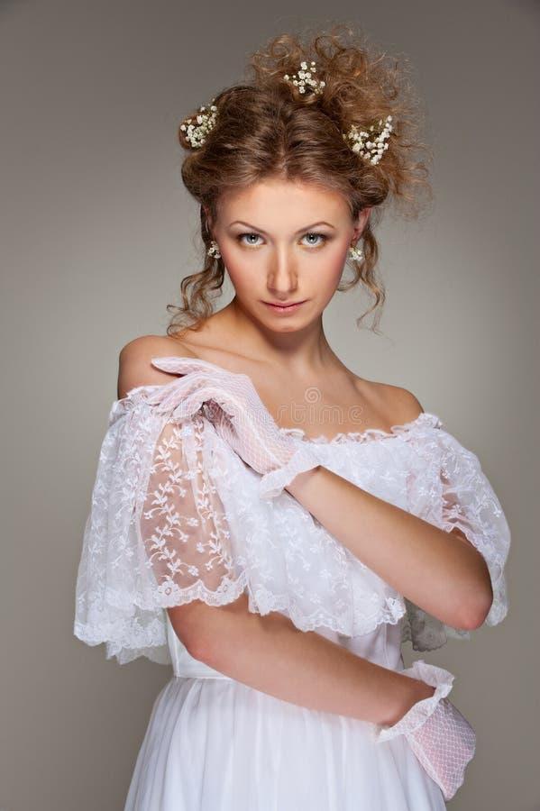smokingowa urocza biała kobieta obraz stock