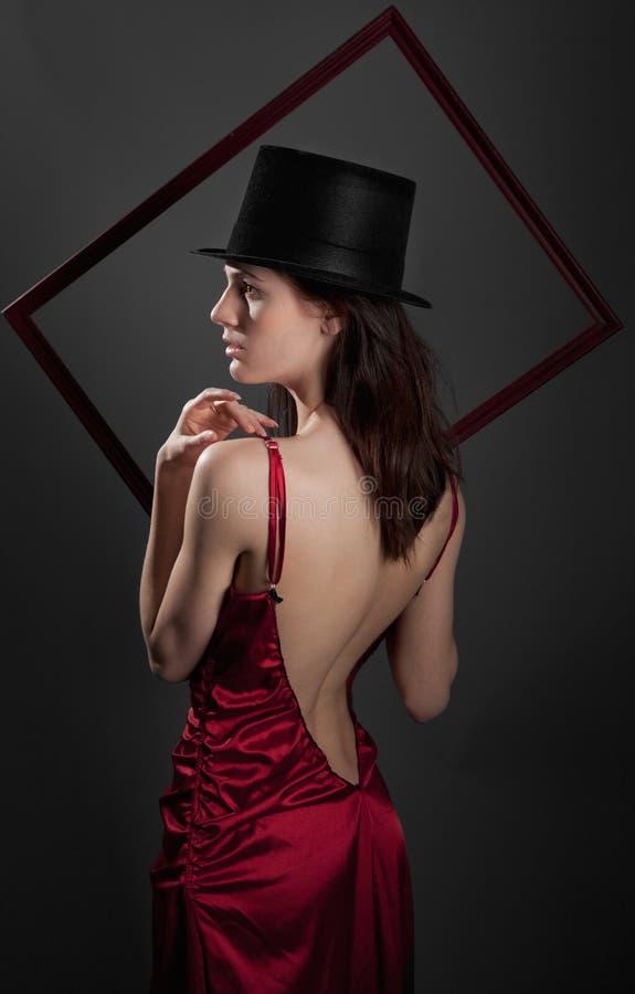 smokingowego kapeluszu seksowna odgórna kobieta obrazy stock