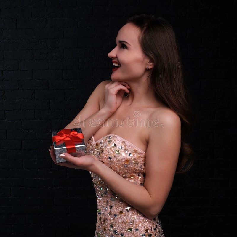 smokingowej dziewczyny szczęśliwe menchie zdjęcia royalty free