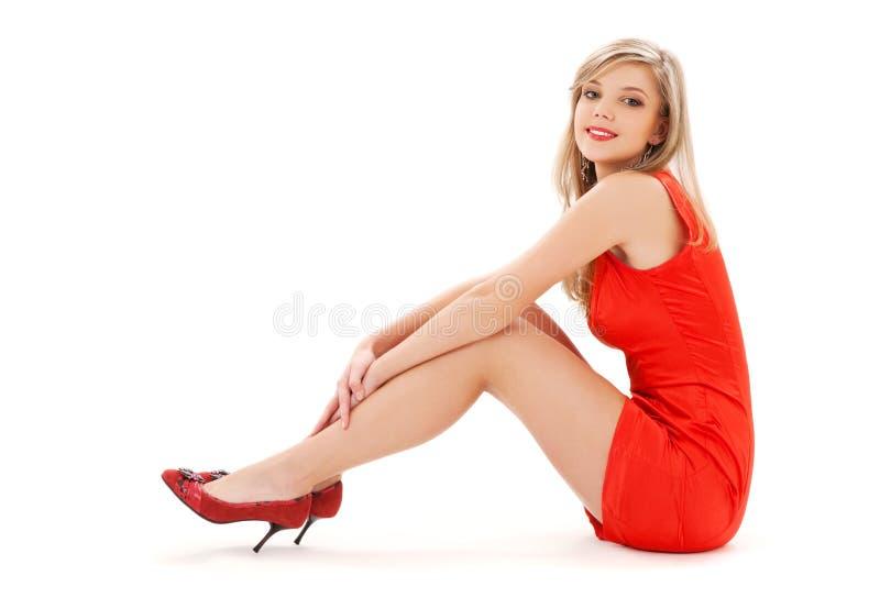 smokingowej dziewczyny urocza czerwień obrazy stock