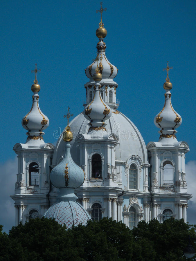 Smolny domkyrka St Petersburg Ryssland arkivfoton