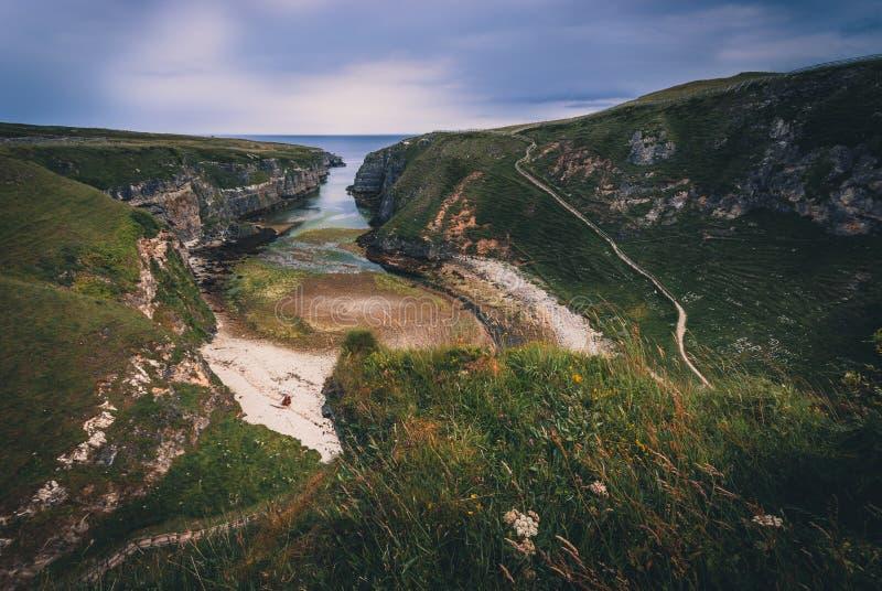 Smoo grotta i Skottland arkivbild