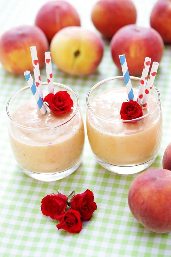 Smoothie персика стоковое изображение