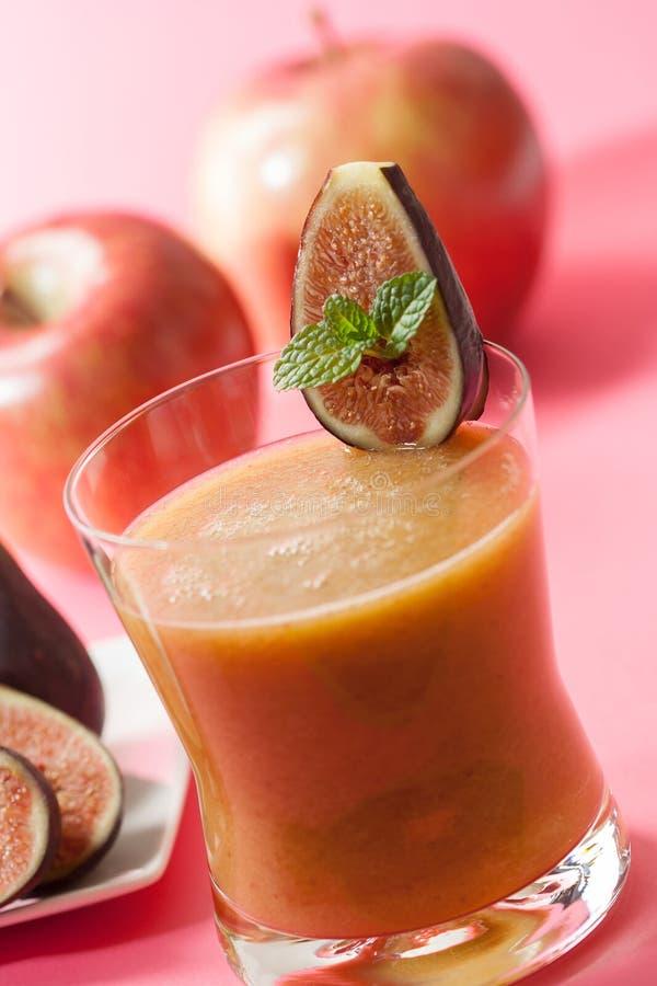 Smoothie смоквы и яблока стоковое изображение