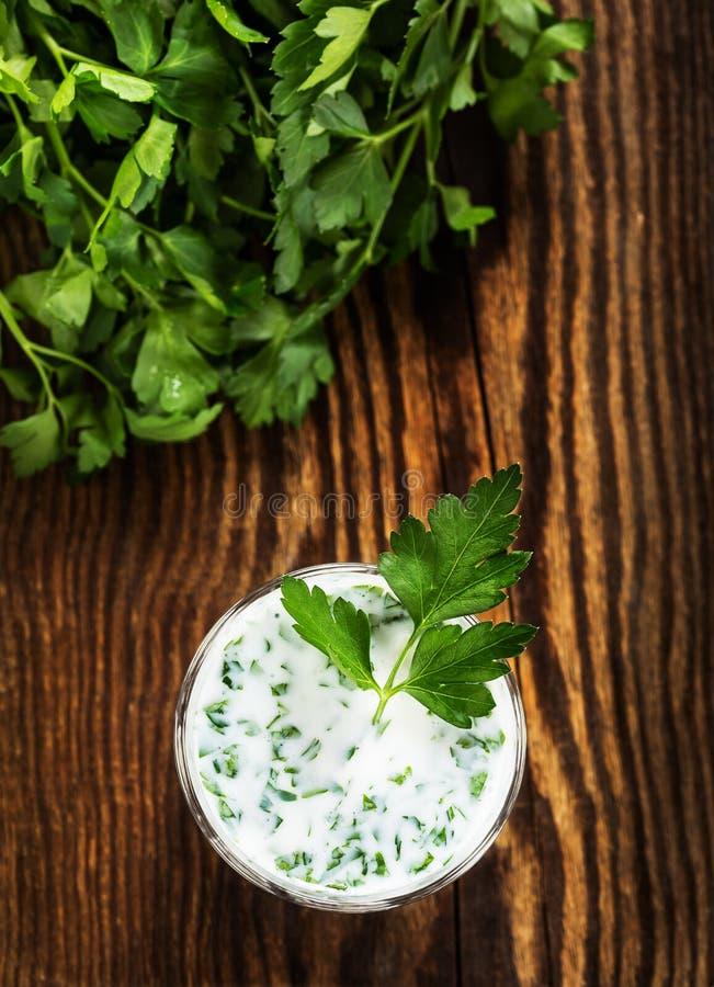 Download Smoothie югурта при травы осмотренные сверху Стоковое Фото - изображение насчитывающей смешивать, греческо: 40591448
