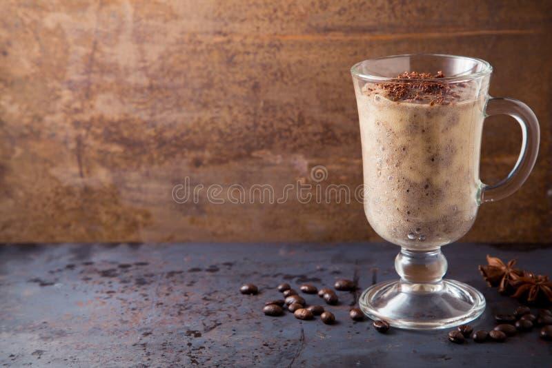 Smoothie czekolada, banan i mleko, zdjęcie stock