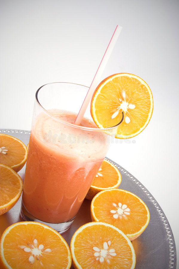 Download Smoothie da fruta foto de stock. Imagem de vidro, smoothies - 526232