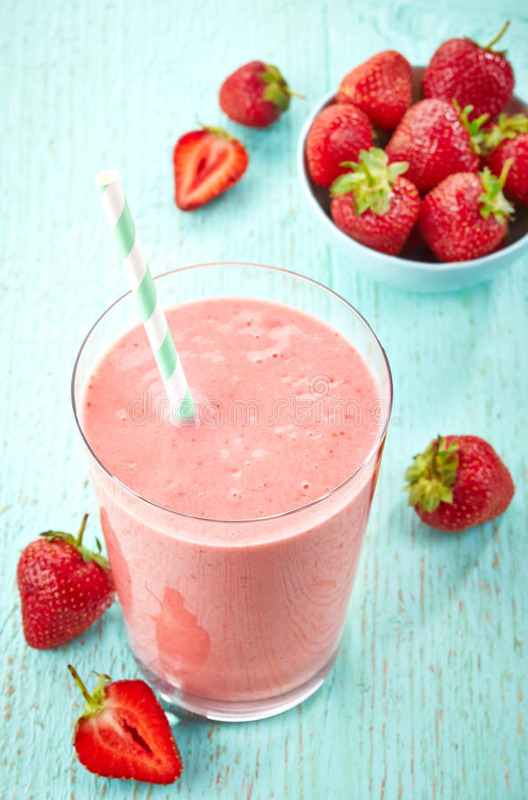 Smoothie de fraise images stock
