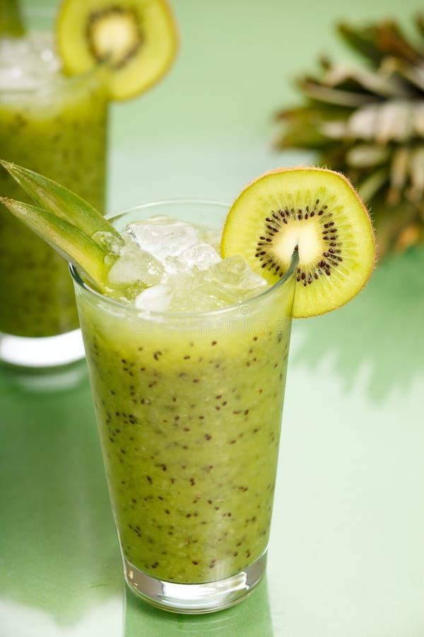 Smoothie de kiwi photos stock