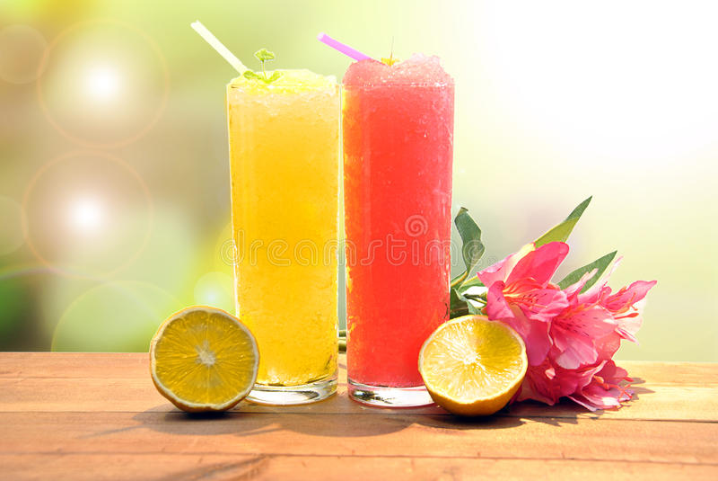Smoothie de la fresa y del limón imágenes de archivo libres de regalías