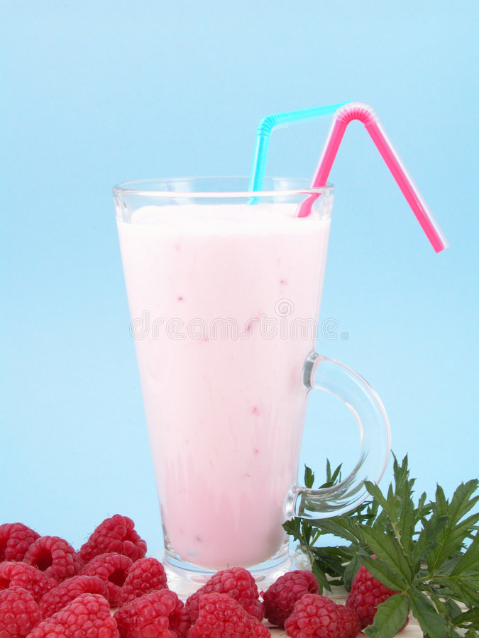 Smoothie del lampone immagine stock
