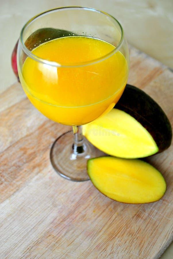 Smoothie del mango fotografie stock