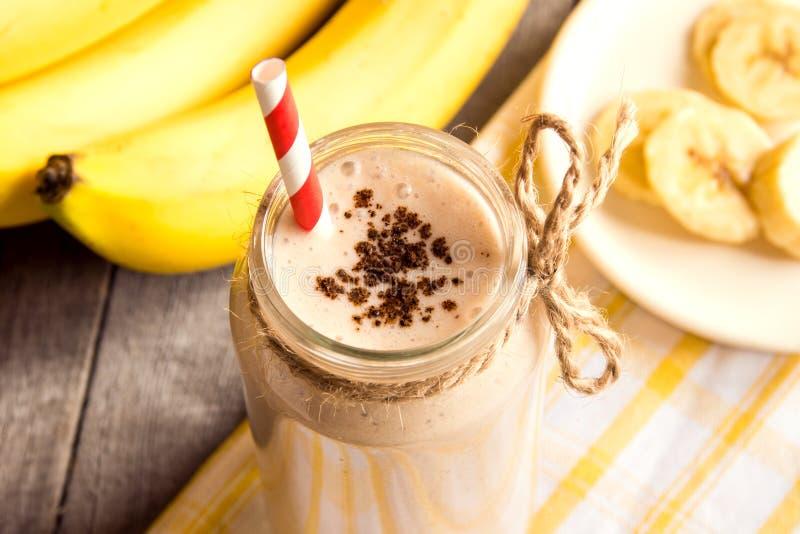 Smoothie del plátano imagen de archivo