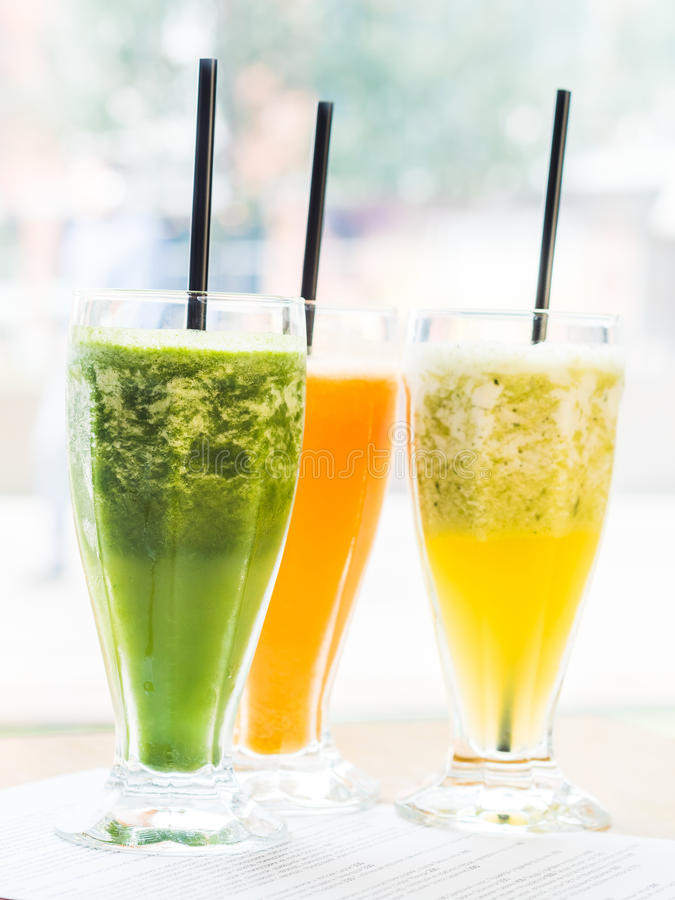 smoothie from spinach, carrots and pears royalty free stock photo