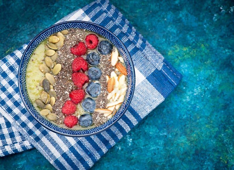 smoothies con las semillas del chia foto de archivo libre de regalías
