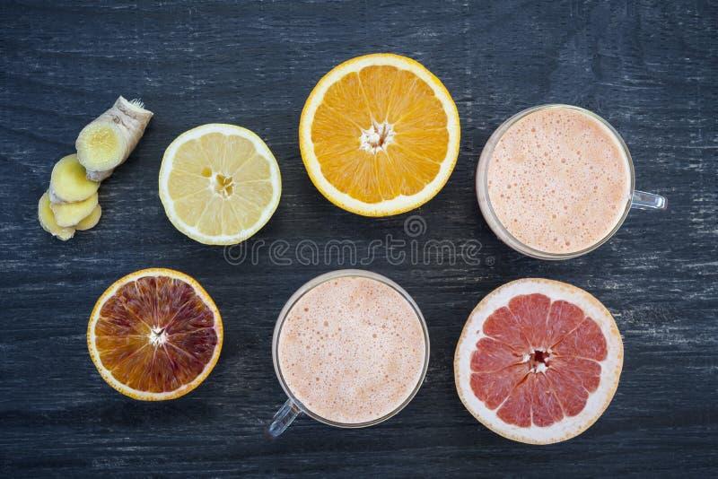 Smoothies de la fruta cítrica imagen de archivo